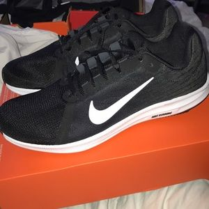 Nike Downshifter 8 Men's Running Shoe Size 10.5